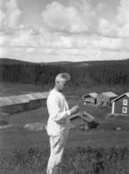 """Nittaho-Jussi"" Johannes Johansson f 1874 som slåtterkarl ho"