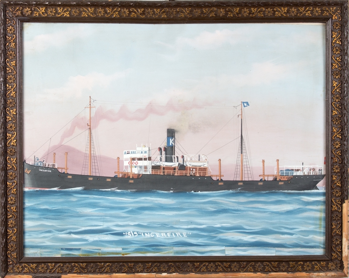 Skipsportrett av DS INGERFIRE, rykende vulkan (antagelig Vesuvs) skimpes i bakgrunnen.