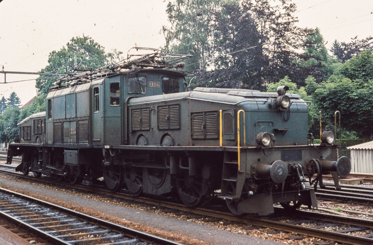 Sveitsisk elektrisk godstogslokomotiv type Be-6/8 nr. 13314, benevnt Krokodille. Lokomotivene av typen ble bygget i tiden 1919-1922.