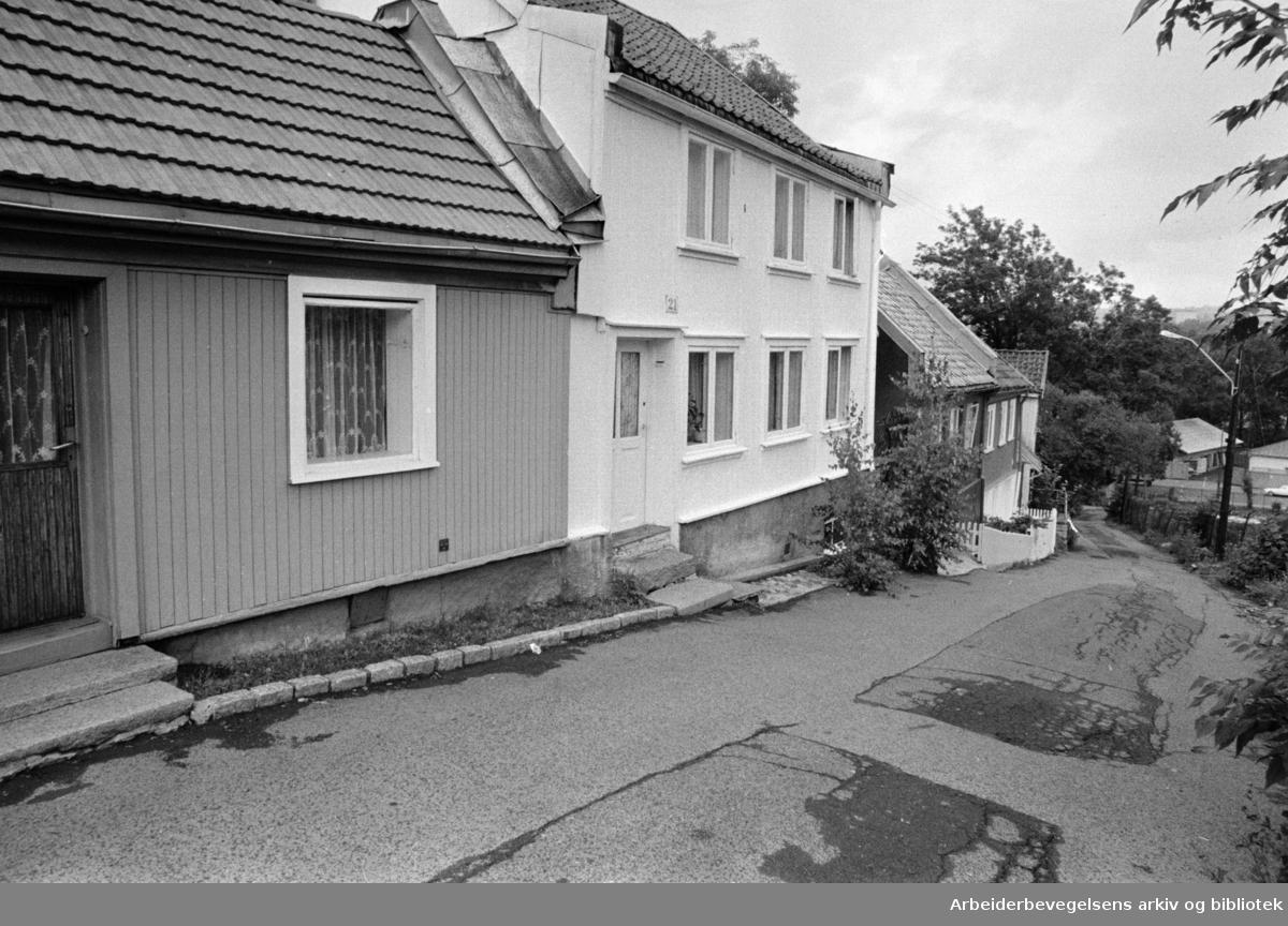 Damstredet. Forskjellige gamle hus i Damstredet og Telthusbakken. Juli1969