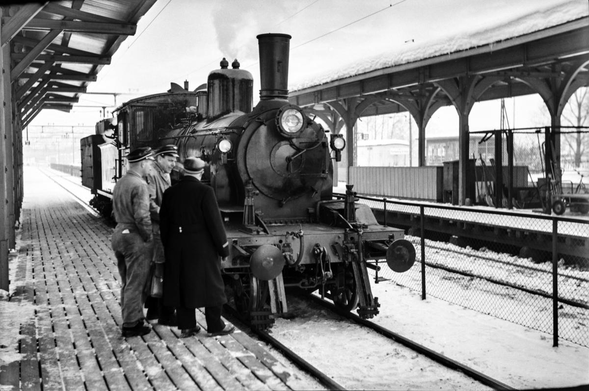 Damplokomotiv type 18c nr. 310 på Lillestrøm stasjon.