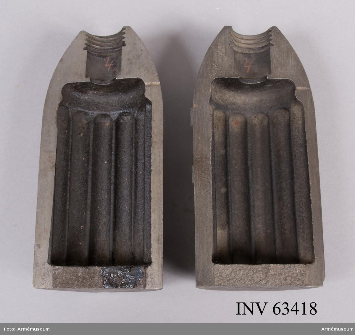 """Grupp F II. 9 cm granatkartesch i två halvor. För 177 stycken blykulor till 9 cm (3"""") försökskanon. Enligt ritning den 13/4 1876. 1875-76 års skjutförsök."""