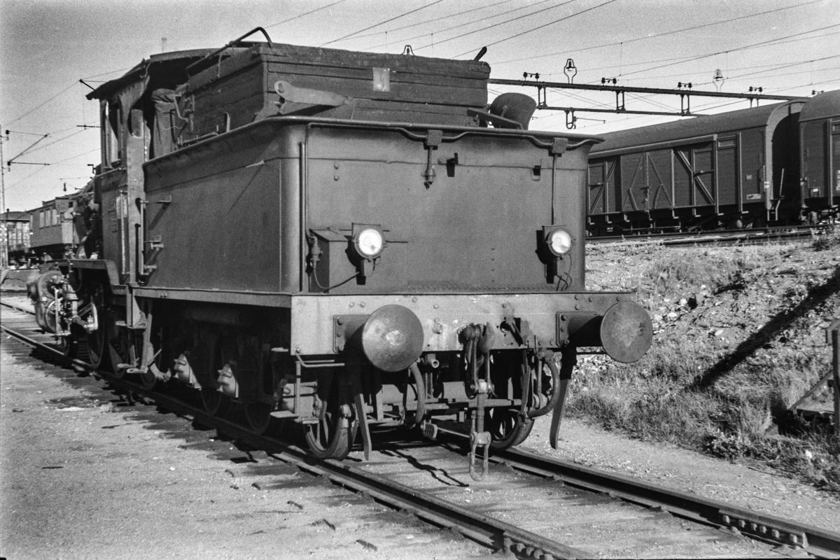 Damplokomotiv type 21b nr. 237 på Lillestrøm stasjon.