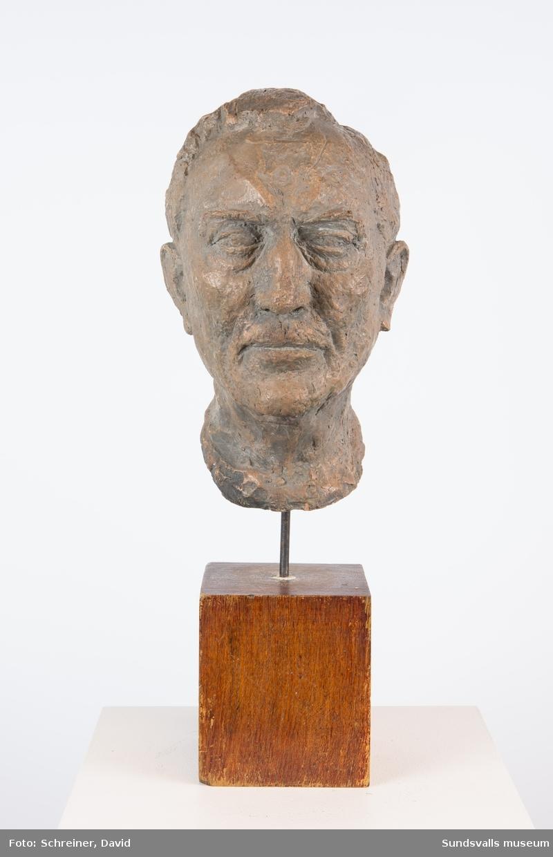Porträttskulptur av Francois Barbaud.