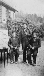 Portrett av frå v.Ola Roe,Østen T.Roe og Nils Frøysok Hoftun