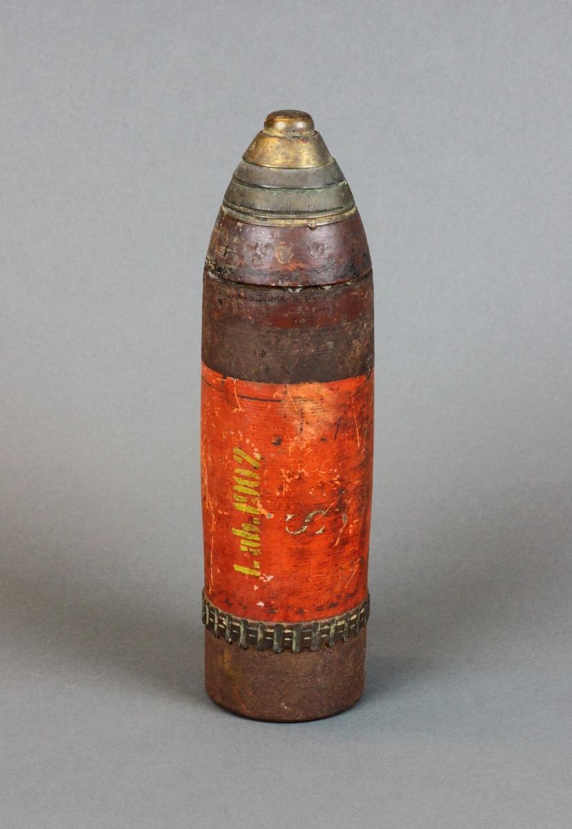 Form: Sylinderformet, kjegleformet spiss