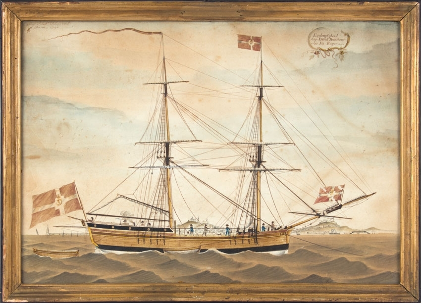 Skipsportrett av brigg ENDRÆGTIGHEDEN (EENDRÆGTIGHEED) oppankret i havn. Fører Dannebrog flagg akter, toppmast og på baugspyd. To mindre lettbåter ligger ved siden og akter for skipet.