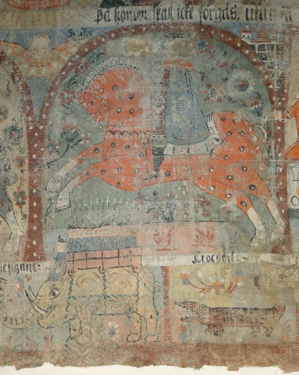 Bonadsmålning av konstnär i Allbo-Kinnevaldgruppen målad i tempera - pigment, ägg och ev mjöl (Nyström, 2012:150-151)  på en skarvad och återanvänd linnedrätt, hängklädnad eller väggbonad med tuskaftsväv i botten och blå geometriska mönster i upphämta. Motiv med de tre vise männen ridande i mitt och de visa o de fåvitska jungfruar ovanför, samt mytologiska djur i nederst raden. Målad på två horisontella våder sydda stad i stad av ovan nämnda tyg samt mindre bitar hopsydda till en övre våd.  Jämför målningen med bonadsmålningen M 67527/A.12.16 troligen av samma konstnär.  Inskrivet i huvudkatalog 1876.