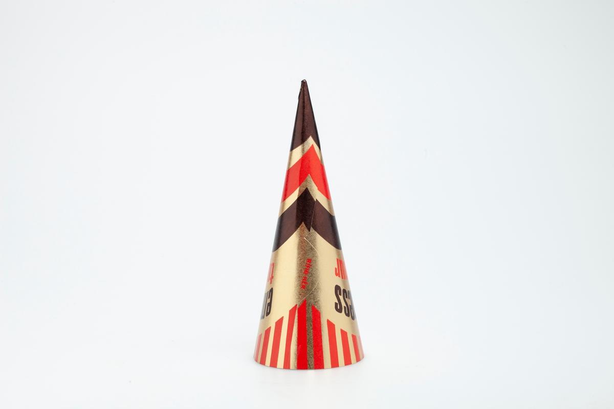 Kjegleformet iskrempapir (kremmerhus) i aluminium. Kremmerhuset er med farger på utsiden, og matt uten farge (hvit) på innsiden. Iskrempapiret har gullfarget bakgrunnsfarge, med noen bølgete linjer i rødt og brunt i kremmerhusets nedre del. Øverst er det vertikale tette røde streker. Tekst er plassert på et belte av gull i kremmerhusets øvre del. En striplet linje markerer en rivekant i papiret.