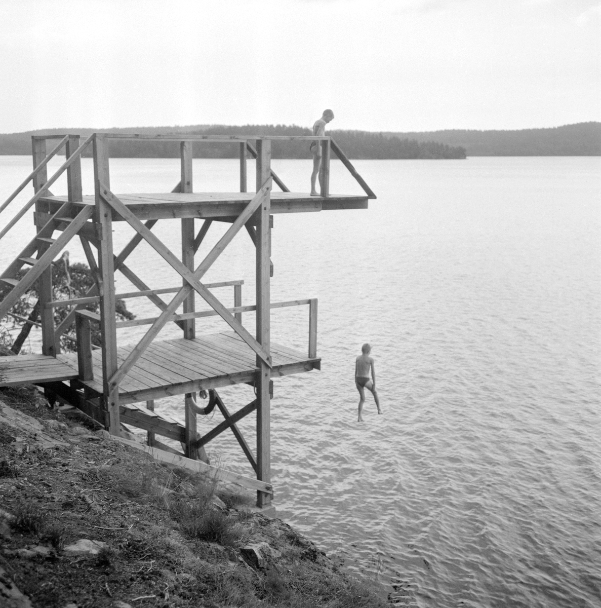 År 1956 kunde Björkfors GoIF öppna festplatsen Valö på ön med samma namn i sjön Björkern invid samhället. Föreningens ansträngningar förmerade även parken med en badplats med ett rejält hopptorn för hissnande luftfärder.
