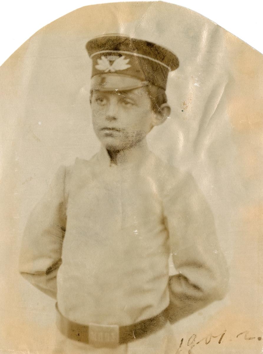 Ignazy Rostin, Victoria Bachkes nest eldste bror, og nr. 6 i søskenflokken Rostin. (Født 27. aug, ca. 1896, i Moskva, Russland, død 26. januar 1946, i Frankfurt am Main, Tyskland).  Fotografert i 1901.