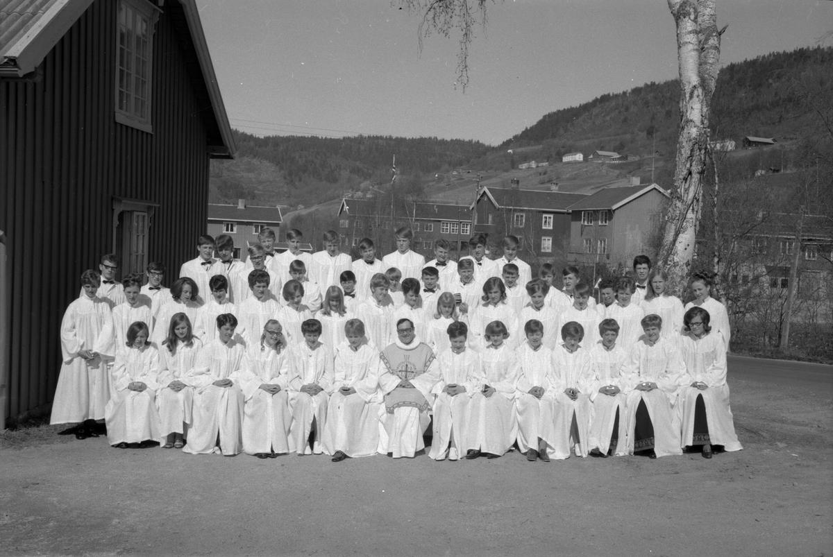Konfirmasjon i Meldal kirke 1970.