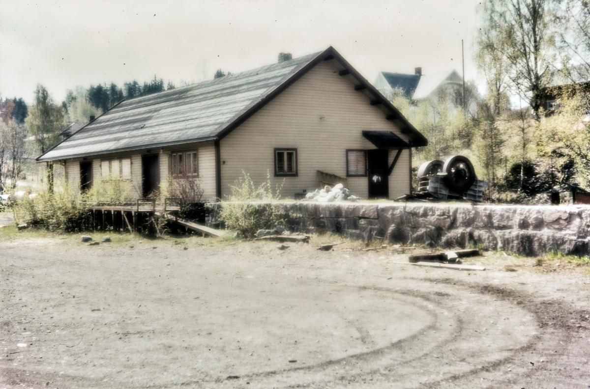 Godshuset på Røykenvik stasjon på nedlagte Røykenvikbanen