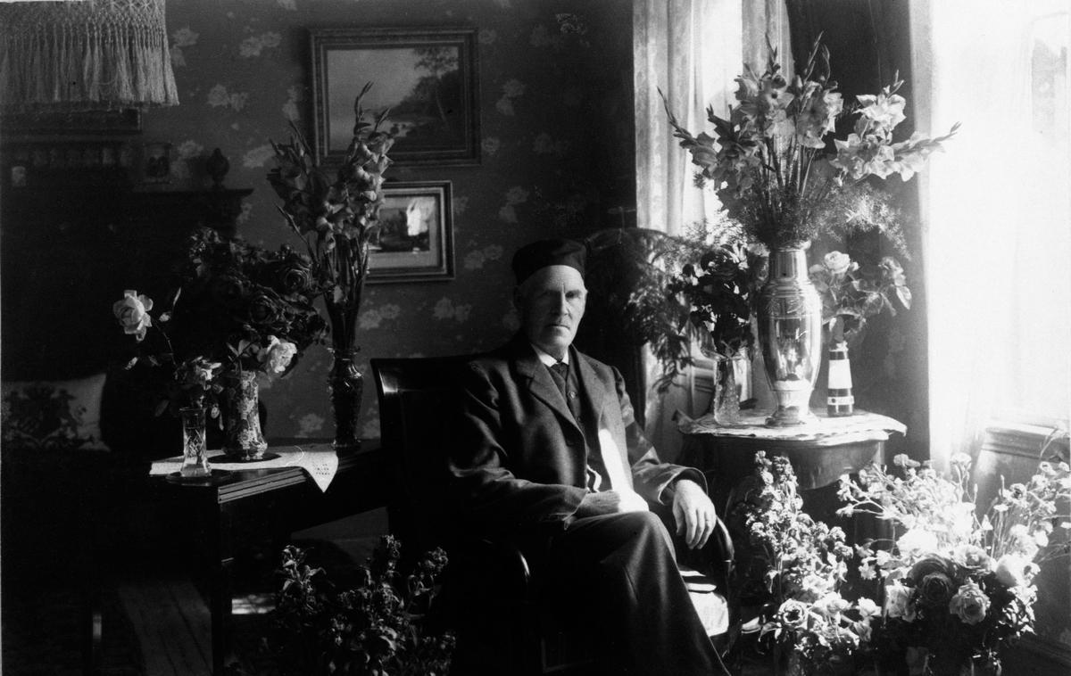 Charles Andersson, snickarmästare.