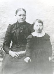 Anne Marie Isaksdatter og Marie Nausander