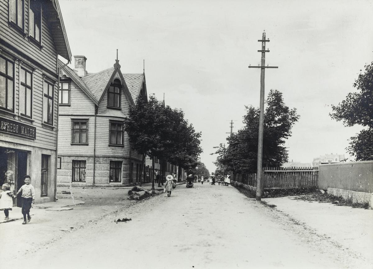 Haraldsgata sett mot nord fra Årvikgata, 1910.