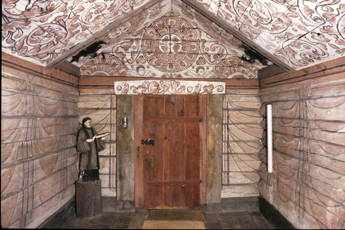 Ferdskapellet fra Brein i Nordfjord, interiør.