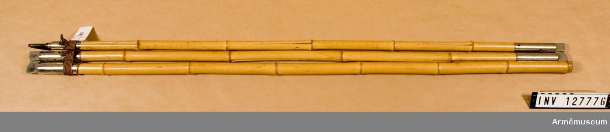 3 delar, av bambu.