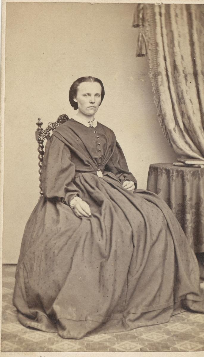 Anette Reistad, portrett