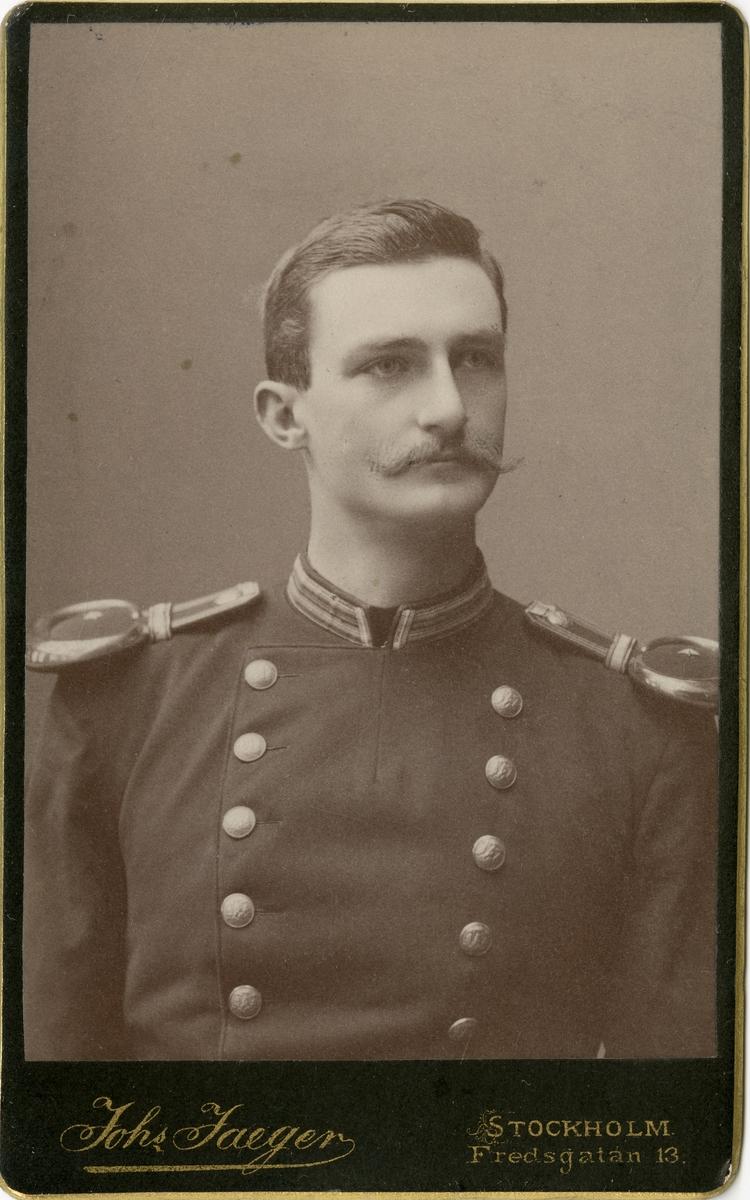 Porträtt av Otto Wilhelm von Knorring, underlöjtnant vid Västmanlands regemente I 18.  Se även bild AMA.0005526.