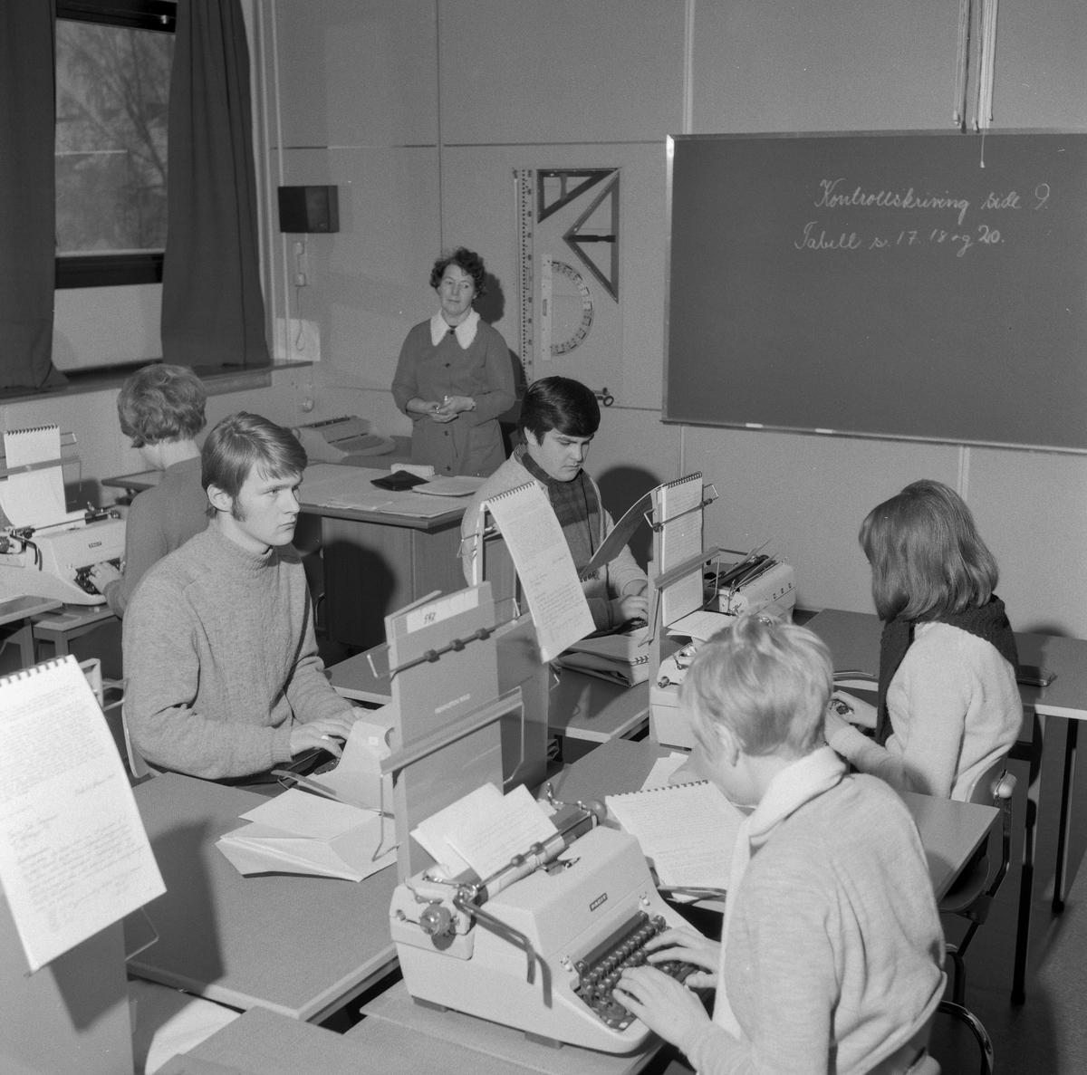 Fra undervisningen på Skedsmo Handelsskole i lokalene til Stalsberg ungdomsskole.