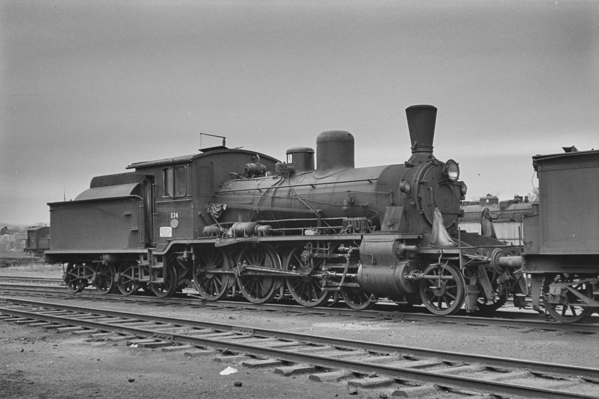 Hensatt damplokomotiv type 18c nr. 134 på Marienborg Verksted.