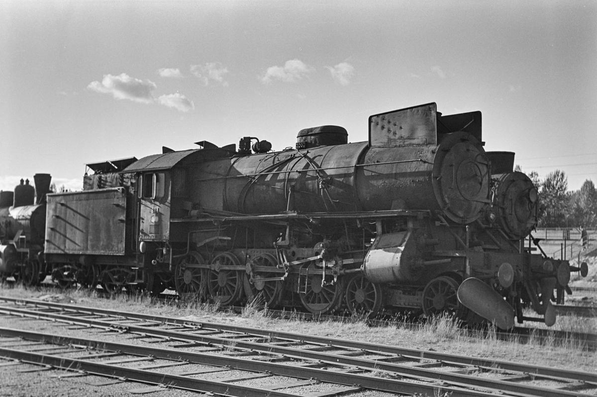 Damplokomotiv type 31a nr. 284 hensatt for opphugging på NSBs verksted på Grorud.
