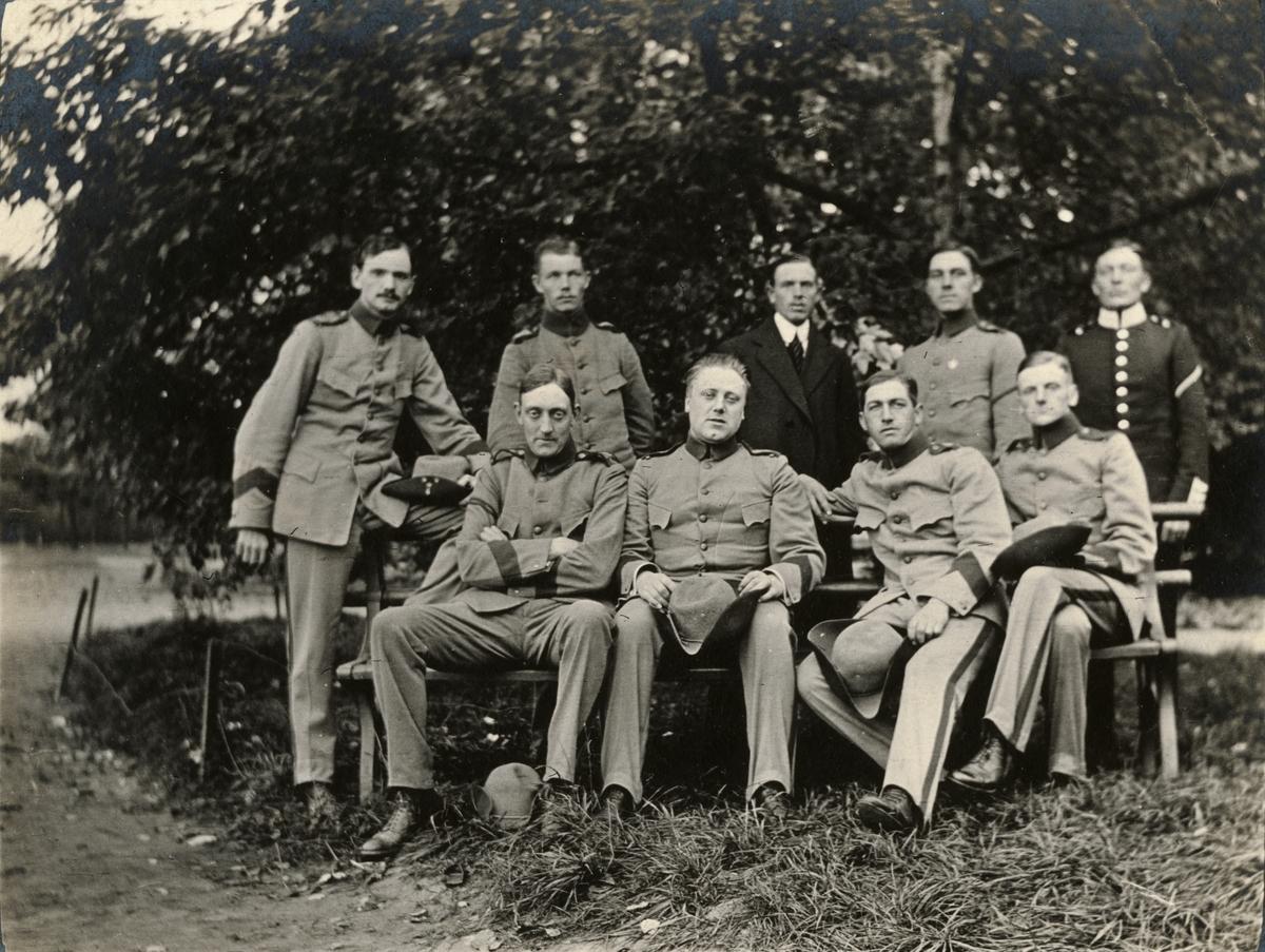 Grupporträtt av soldater vid Göta livgarde I 2.
