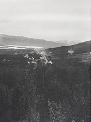 Tettstad, Geilo, sommar, Holms Hotel, Bergensbanen, kyrkje,