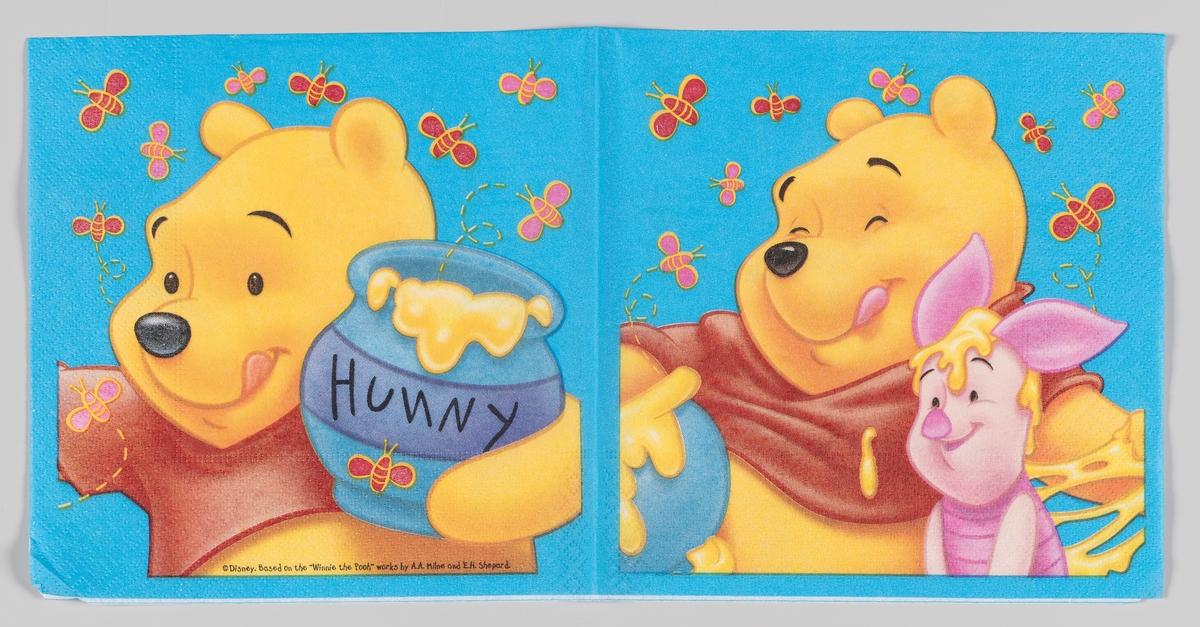 Ole Brumm med en honningkrukke og Nasse Nøff, mens en masse bier svermer rundt dem.  Ole Brumm (Winnie the Pooh) er en figur fra en barnebok som utkom i 1926 av den engelske forfatteren A.A. Milne. Illustratøren E.H. Shepard tegnet figurene.