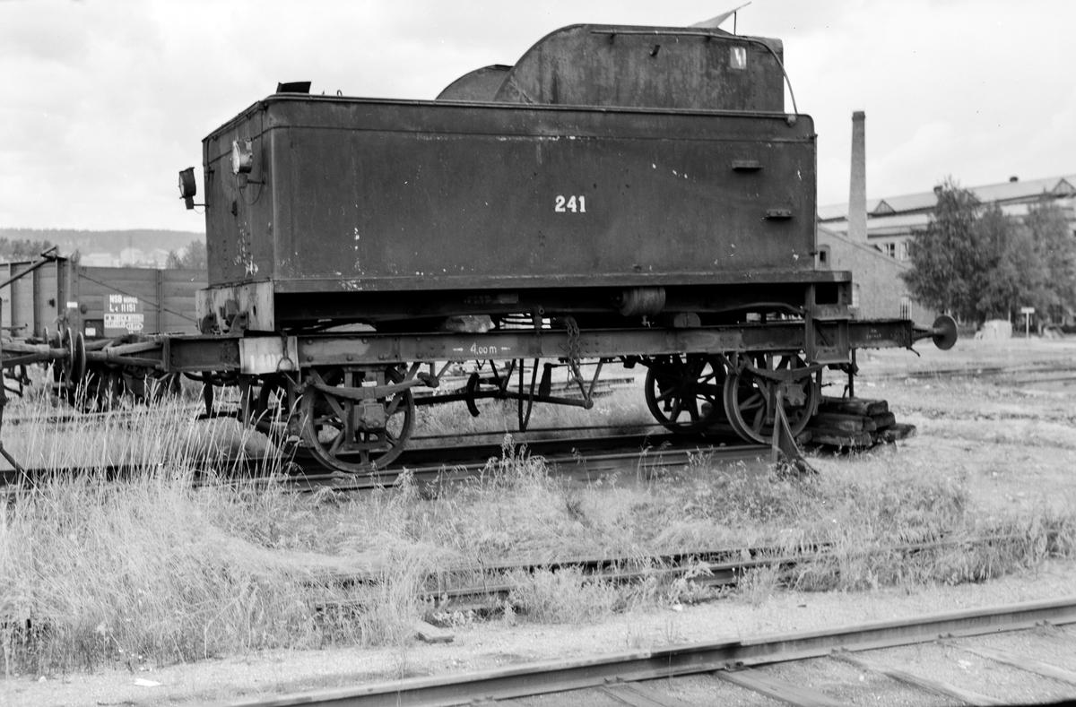 Tenderen fra damplokomotiv type 18c nr. 241 på Grorud Verksted.