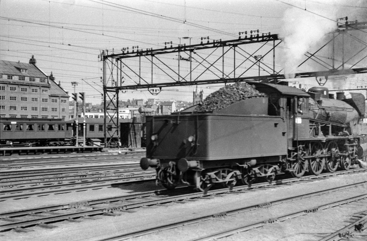 Damplokomotiv type 30b nr. 346 på Oslo Østbanestasjon.