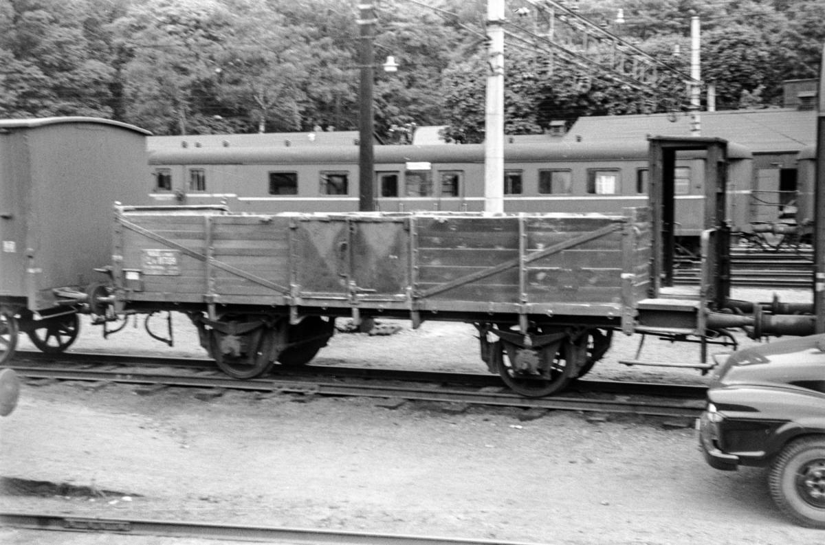 Godsvogn type Lf4 nr. 11399 på Bergen stasjon.