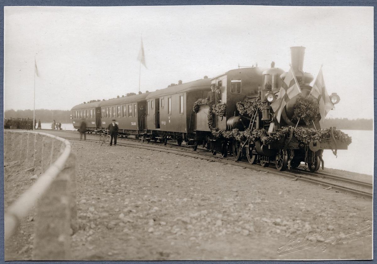 Norsholm - Västervik - Hultfreds Järnväg, NVHJ lok 21 vid invigningen av Vimmerby - Ydre Järnväg.