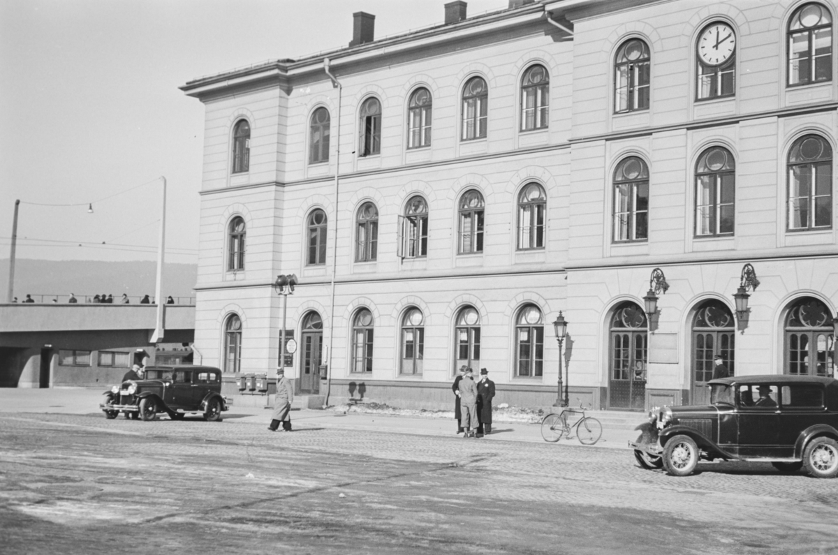 Jernbanetorget og Drammens stasjon