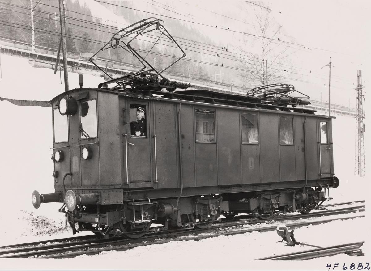 Norsk Hydros elektriske lokomotiv nr. 1 på Rjukan stasjon