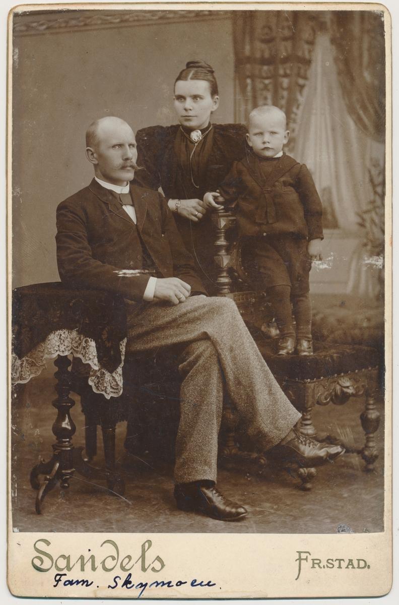 Familiefoto av Fam. Skymoen