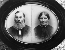 Reprobilde av eldre ektepar - John Hågensen med frue Marie