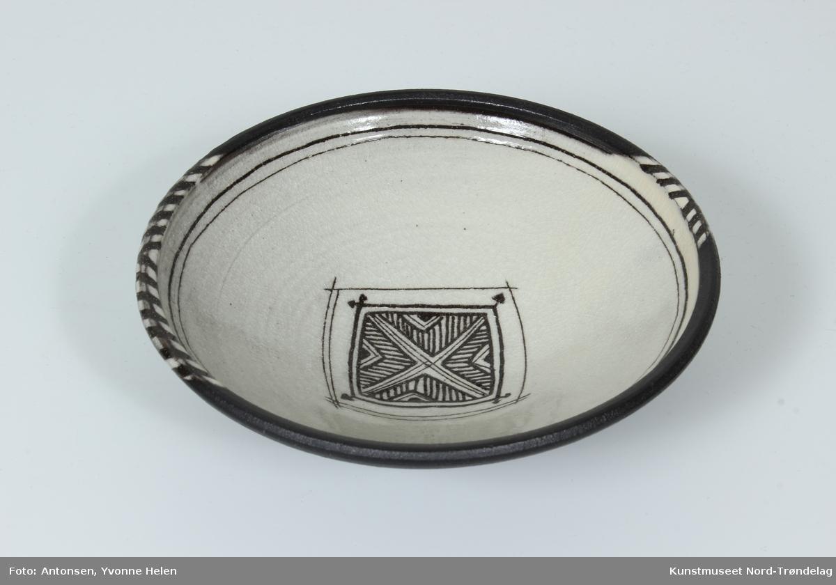 Afrikansk Skål [Keramikk]