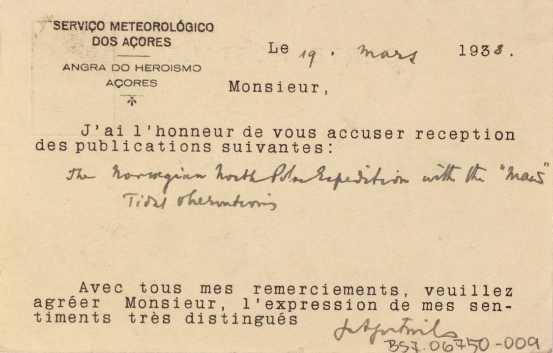 Takkekort-samling vedr. polarskipet MAUD. Takkekort fra Servico Meteorologico Dos Acores, Museum für Länderkunde  (med frimerke) i forbindelse med at de har mottatt publikasjon vedr. MAUD sin polekspedisjon i 1918-1925.