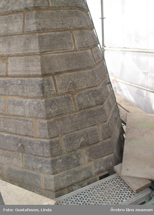 Renoveringsarbeten av tornfasader på Olaus Petri kyrka (Olaus Petri församling).Omfogade fasader, södra trapphustornet.Dnr: 2008.230.065