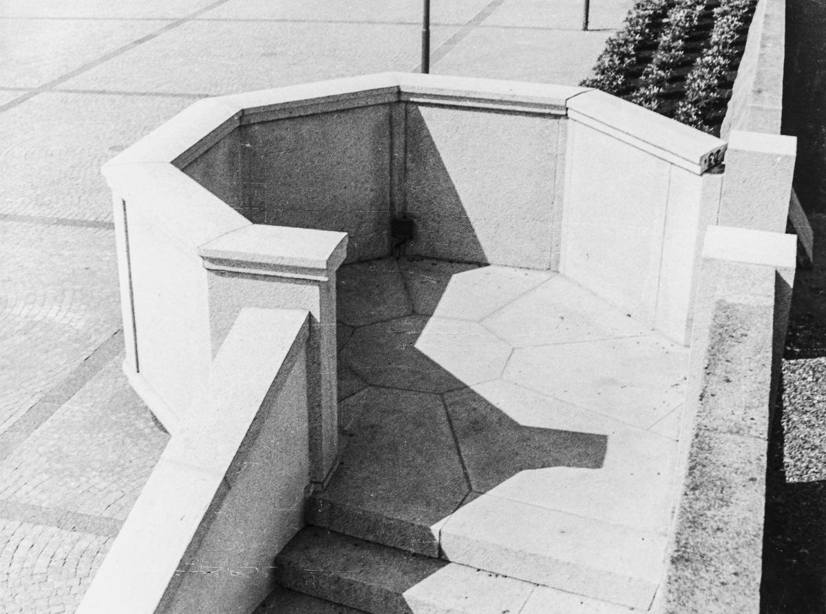 Talerstolen på Rådhusplassen sett mot nordvest, 1949.
