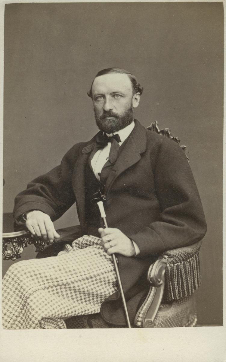 Löjtnant Greve Claes Ernst Gust Mörner vid Kungliga Kronobergs regemente. Adjutant hos H. K. H. hertigen av Dalarna. År 1865.