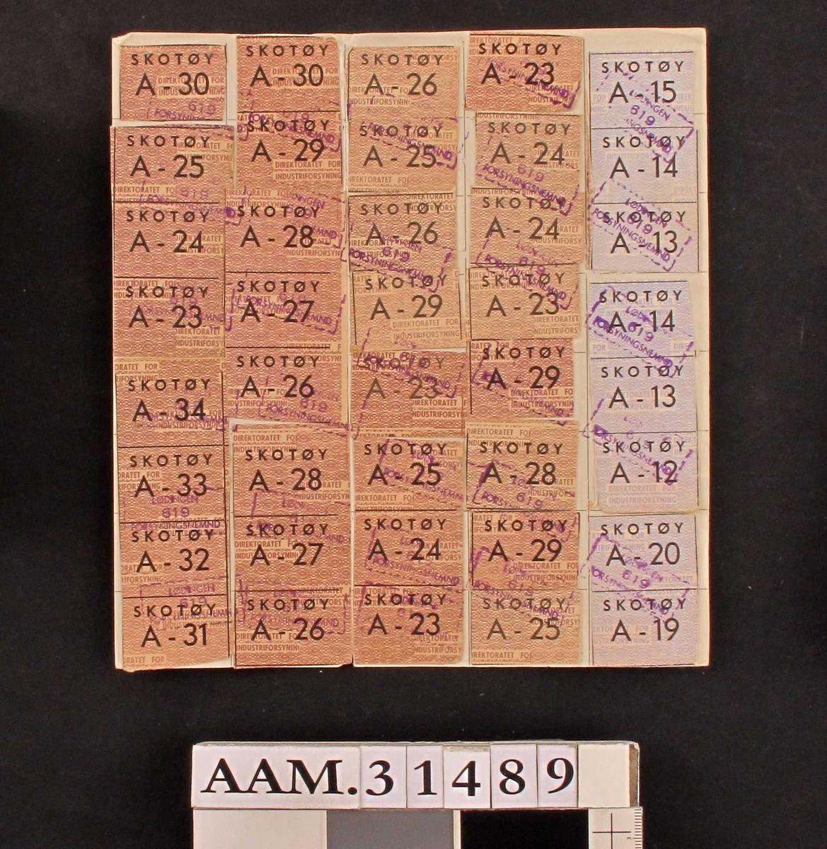 SKOTØY samt enten A, B eller C med et tall bak  Varierende farger