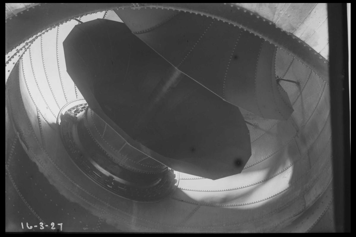 Arendal Fossekompani i begynnelsen av 1900-tallet CD merket 0010, Bilde: 34 Sted: Flatenfoss i 1927 Beskrivelse:  Trommen i turbinen