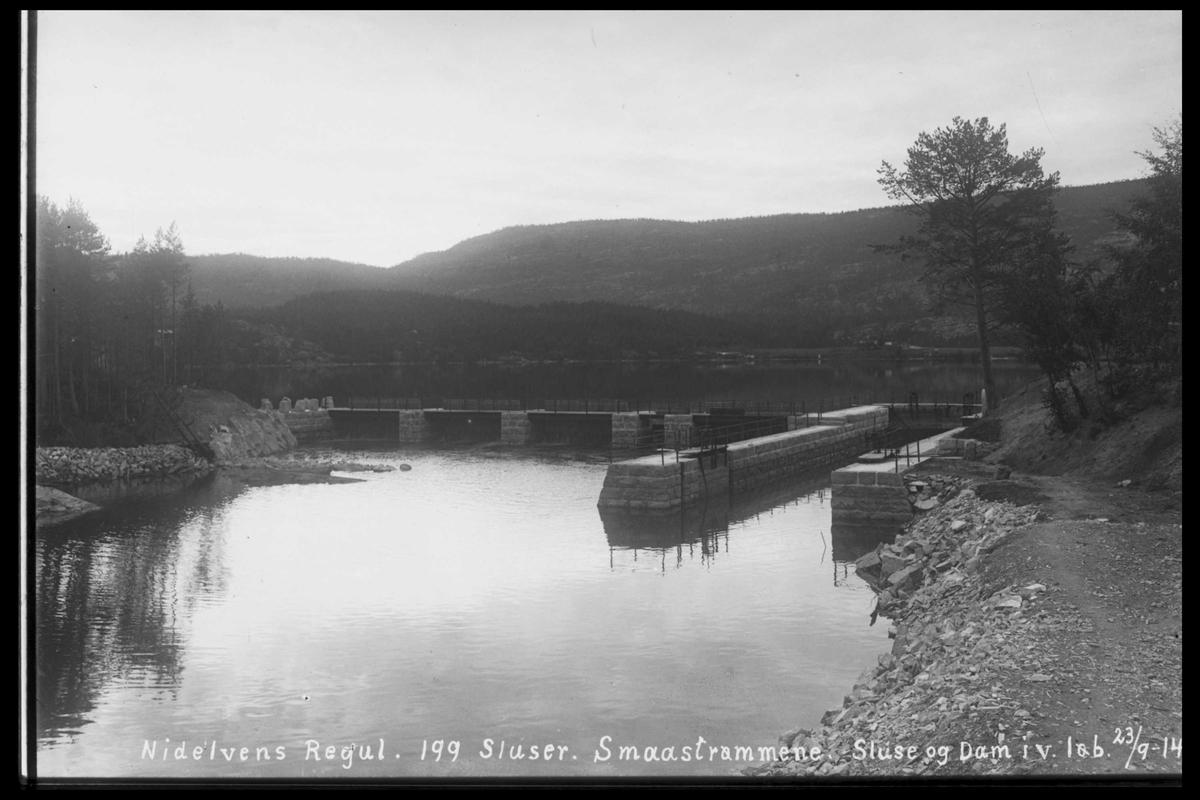 Arendal Fossekompani i begynnelsen av 1900-tallet CD merket 0474, Bilde: 37 Sted: Småstraumene Beskrivelse: Slusene