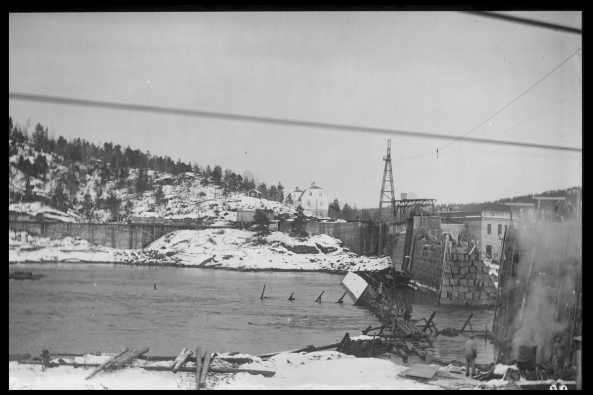 Arendal Fossekompani i begynnelsen av 1900-tallet CD merket 0565, Bilde: 16 Sted: Flaten Beskrivelse: Dammen sett fra nord-vest