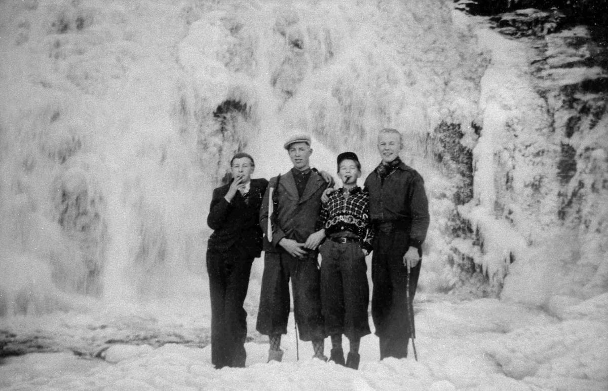 Bilder fra Birkenes kommune Flakkefossen med 4 menn