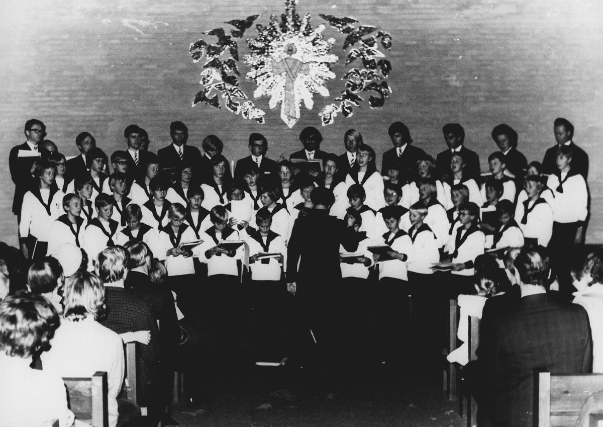 Konsert med Sølvguttene i Greverud kirke.
