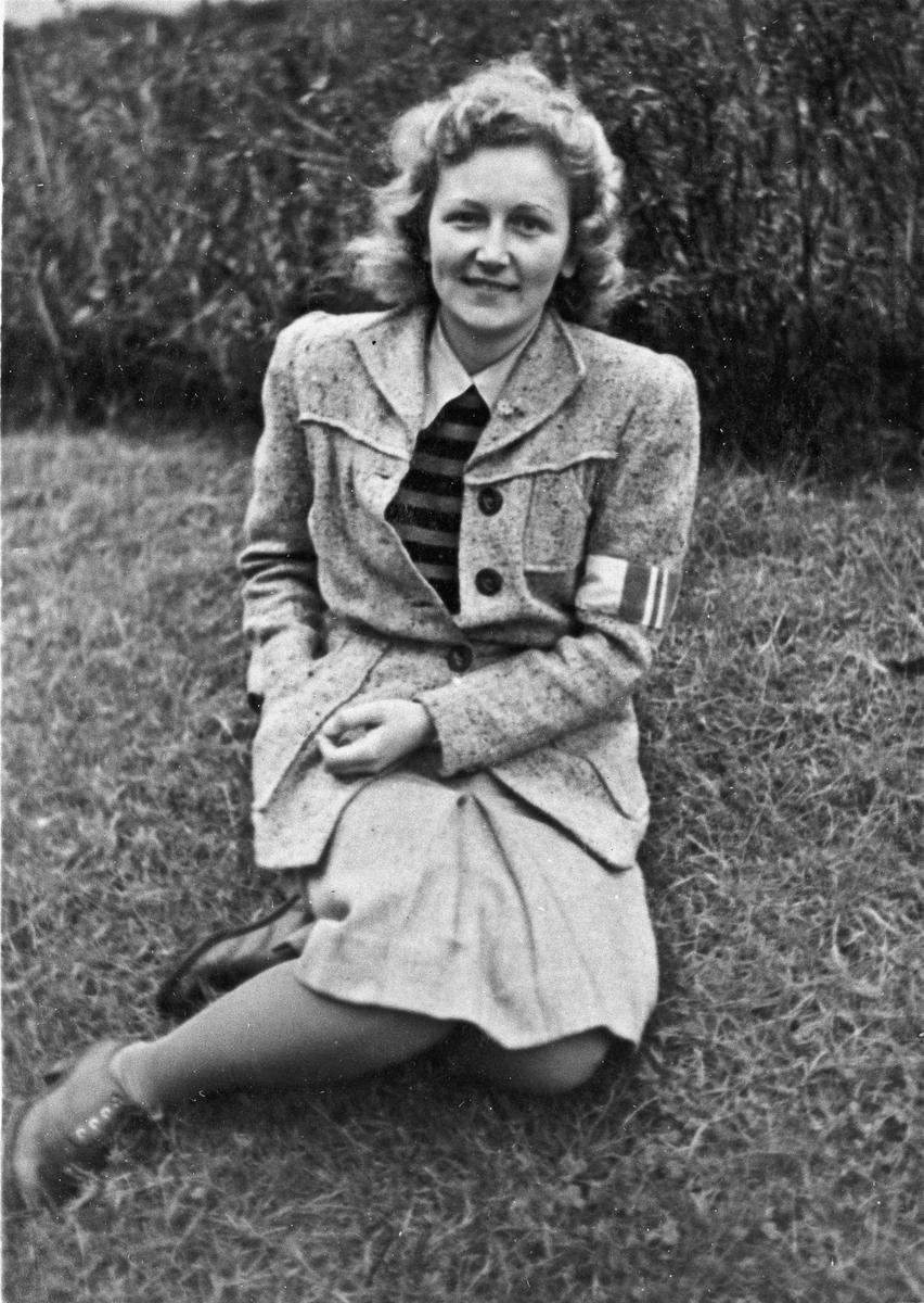 Kvinne fra Hjemmestyrkene.